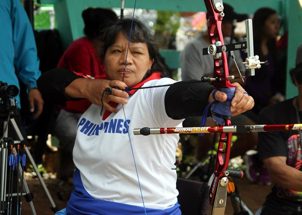 BAGUIO. Para archer Agustina Bantiloc aims for her target during a recent competition. Bantiloc is among the para athletes who were hailed by Baguio City for garnering medals in the 2018 Philippine Sports Association for the Differently-Abled (Philspada) Paralympic Games. (Roderick Osis)
