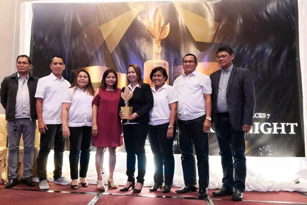 COMMITMENT.GBP officials receive the awards during the DENR 7's Gawad Tugas Award. (Contributed photo)
