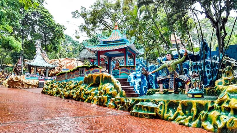BACOLOD. Haw Par Villa is filled with colorful attractions. (Claire Marie Algarme)