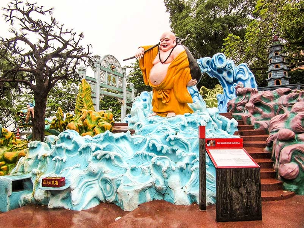 BACOLOD. The laughing Buddha. (Claire Marie Algarme)