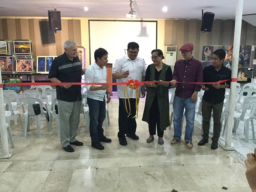 BACOLOD. Baptist Missionary Association Bible College in Talisay City president Dr. Doug Lee, Pastor Joval Kisinamal, Pastor Jojo Vallejera, Dr. Crispina Diego, Rodney Martinez, and Pastor Angelito Lepalam during the opening of the art exhibit Friday. (Contributed Photo)