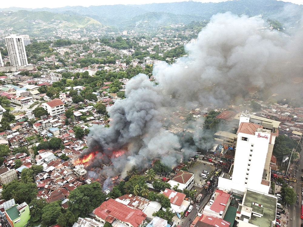2 fires in Cebu City raze 63 houses - SUNSTAR