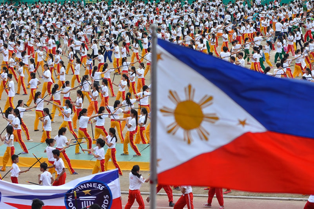 BIGGEST STICK FIGHT. In this photo taken last Dec. 3, 2015, some 5,000 students made the Guinness Book of World Records for taking part in the biggest arnis class. Central Visayas Tourism Director Shalimar Tamano has asked the Tourism Promotions Board to promote arnis as a cultural product of Cebu. (SunStar file)