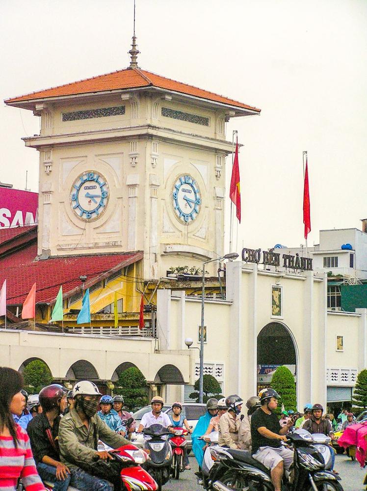 The Ben Thanh Market (Claire Marie Algarme)