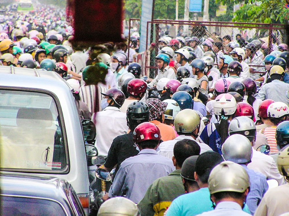 Motorcycles fill HCMC's streets and avenues (Claire Marie Algarme)