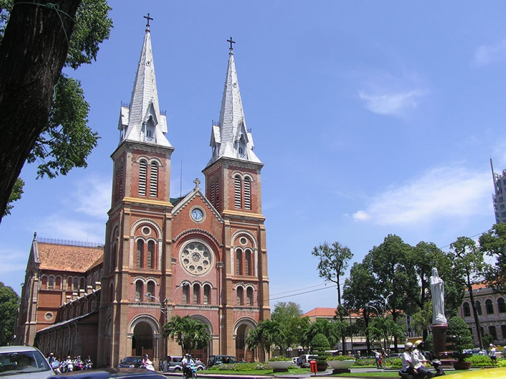 The iconic Saigon Notre Dame Basilica (Claire Marie Algarme)