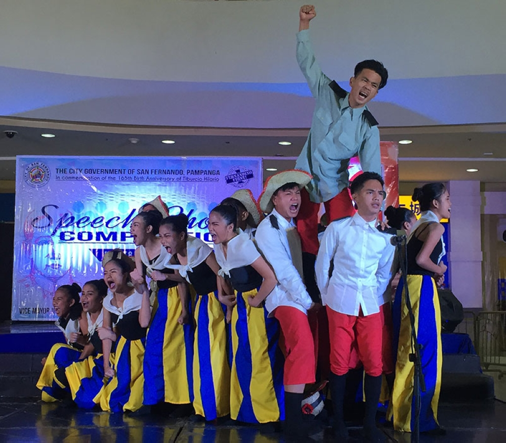 PAMPANGA. Fernandino students commemorate the life of local hero Tiburcio Hilario through a speech choir competition held at the Robisons Starmills on August 8, 2018. (Photo by Princess Clea Arcellaz)