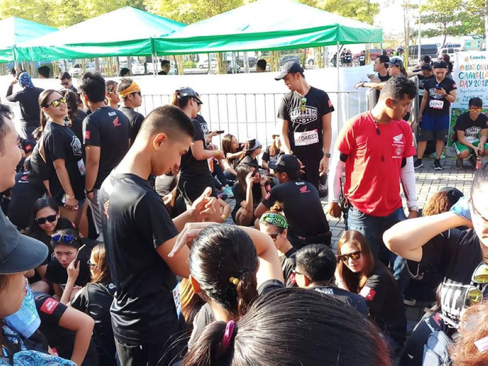 Ang mga partisipante nga naghulat magsugod Color Manila Challenge Fun Run ug nakanselar gayod kini didto sa SM Lanang Park kagahapong adlawa. Ang organizer nagpasalig nga ilang ibalik ang bayad sa mga partisipante. (Julie Dumalag)