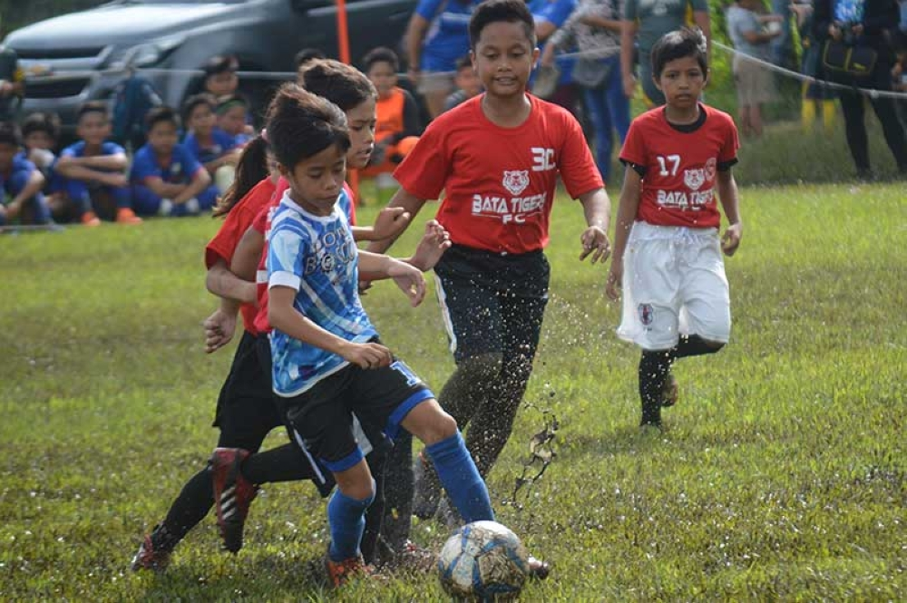 DBTI came out with huge wins in the opening day of Dynamic Football League 2nd Conference Central Division at the Sta. Maria Football Field in Talisay City. (Henry Doble)