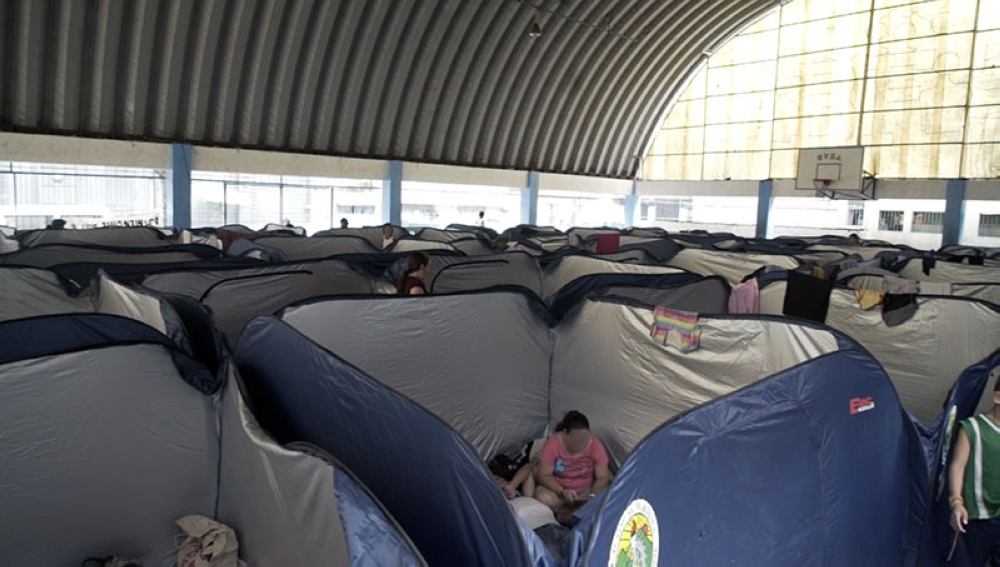 MANILA. The City Government of Marikina purchased some 500 modular tents for use at evacuation centers during disaster and emergencies. In Barangay Malanday, Marikina City, families affected by flooding stay comfortably inside these tents, which can accommodate 5-7 individuals. (PNA)