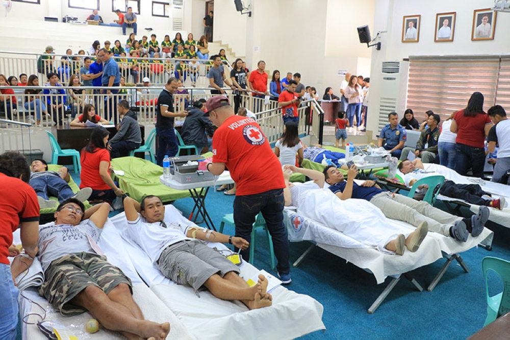 PAMPANGA. Donors trooped to the Angeles City Legislative Hall on Friday to participate in the bloodletting drive spearheaded by the Persons with Disability Affairs- Angeles City (PDAO-AC) and the Philippine Red Cross – Angeles Pampanga Chapter. (AC-CIO)