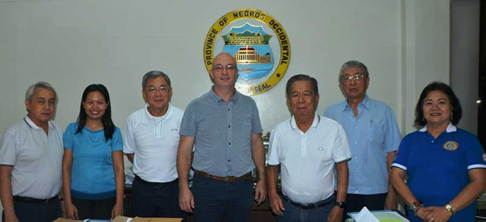 BACOLOD. Negros Occidental Governor Alfredo Marañon Jr. (3rd from right), Italian Chamber of Commerce in the Philippines Inc. Executive director Lorens Ziller (4th from right), along with (from left) Frank Carbon of MBCCI, Provincial Tourism Officer Cristine Mansinares, Provincial Consultant Rafael Coscolluela, Bobby Montelibnao of MBCCI, and Provincial Planning and Development Coordinator Ma. Lina Sanogal at the Governor's Office, Wednesday. (Photo courtesy of the Provincial Government of Negros Occidental)
