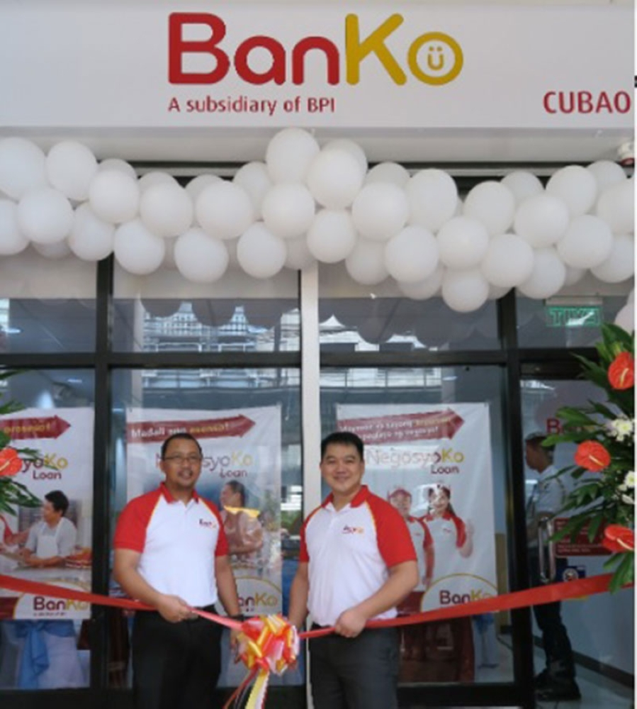 MANILA. BanKo president Jerome Minglana (left) and BanKo Microenterprise Loans head Rodolfo Mabiasen, Jr. (right) open the BanKo Cubao Branch. (Contributed Photo)