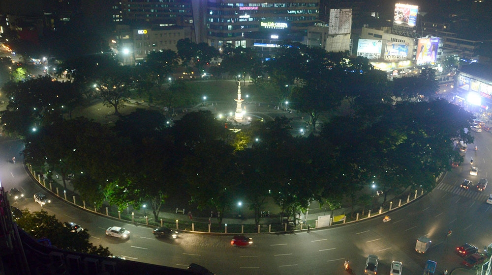 Landmark. The Fuente Osmeña Rotunda is a welcome patch of green in the midst of high-rise buildings. With the Routes Asia conference to be held in Cebu, the MCIAA also hopes to showcase Cebu's attractions as well as its viability as a regional hub. (SunStar File)