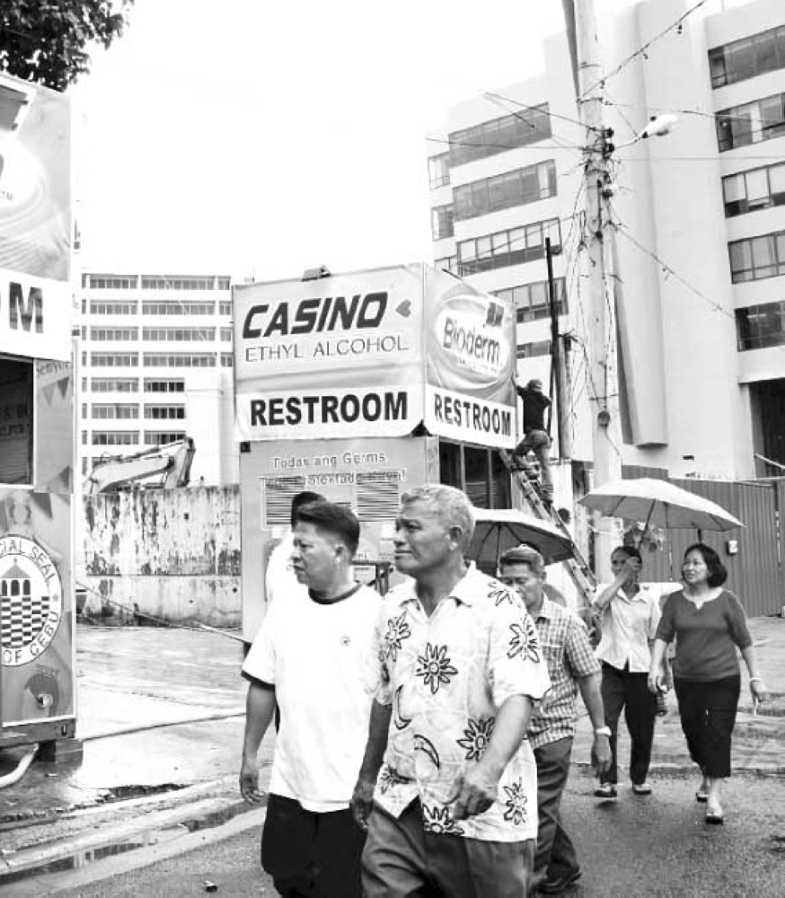 TOILET ADVOCACY. To trim costs, many business establishments leave out or take shortcuts in operating a toilet that barely meets the legal requirements of accessibility for persons with special needs, such as the disabled. It is good corporate citizenship to provide for the health, safety and dignity of persons with disability, among other people discriminated by society. (File foto)