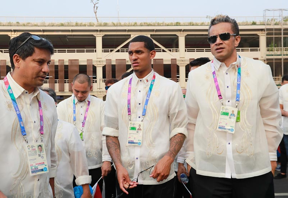 INDONESIA. Philippines' Jordan Clarkson leads his team into Gelora Bung Karno Stadium during the opening ceremony for the 18th Asian Games in Jakarta, Indonesia.  (AP)