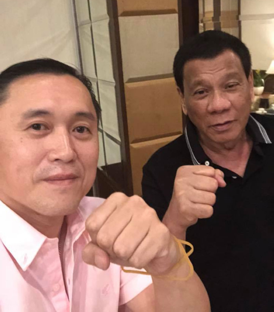 MANILA. Special Assistant to the President Christopher Lawrence 'Bong' Go takes a selfie with President Rodrigo Duterte on Monday, August 20, 2018. (Photo from SAP Bong Go Facebook)