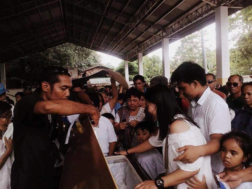 Slain Libas village chief Rhoy Pagapang was laid to rest at Isabela Public Cemetery Sunday afternoon. (Contributed Photo)