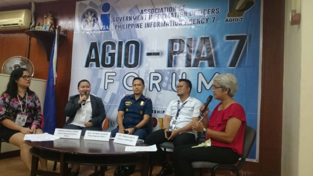 CEBU. PDEA-Central Visayas deputy director Thessa Albano-Tiuzen (second from left) hopes the LGUs will follow Danao City's footsteps and establish rehabilitation centers for drug pushers in their localities. (Kevin A. Lagunda)