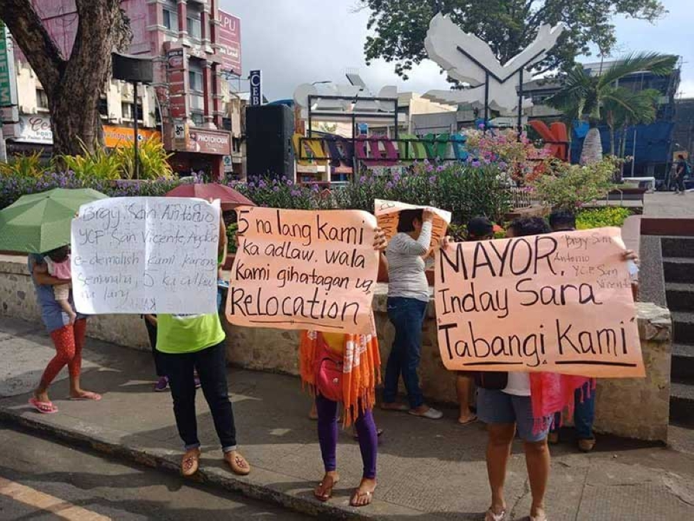 DAVAO. Residents stage a rally at City Hall to call for help from the city government on Monday, September 10, 2018. (Photo by Lyka Amethyst H. Casamayor)