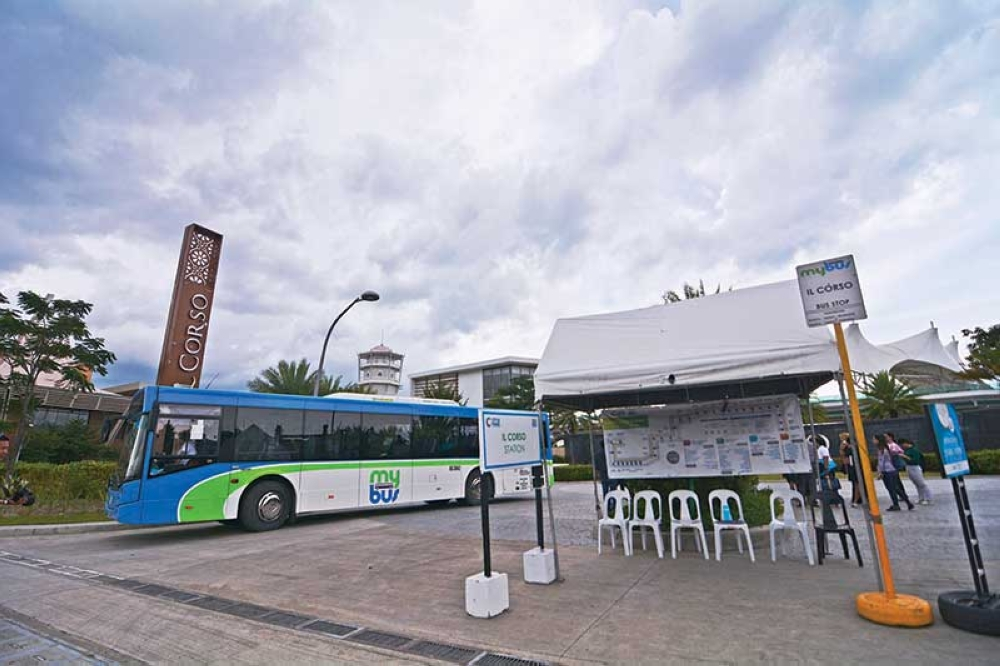 BUS SERVICE. MyBus has been plying routes to and from City di Mare at the South Road Properties since Sept. 1, 2017. (SunStar photo/Amper Campaña)