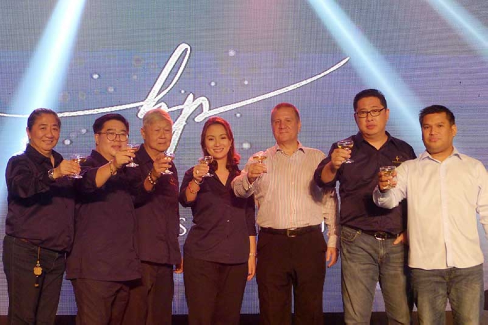 A toast to the new Blue Post Group. Karina Ang, Anthony Ang, Nonoy Te, Jen Ang, Stephen Warren, Kenneth Hao & Councilor Al Ryan Alejandre. (Contributed photo)