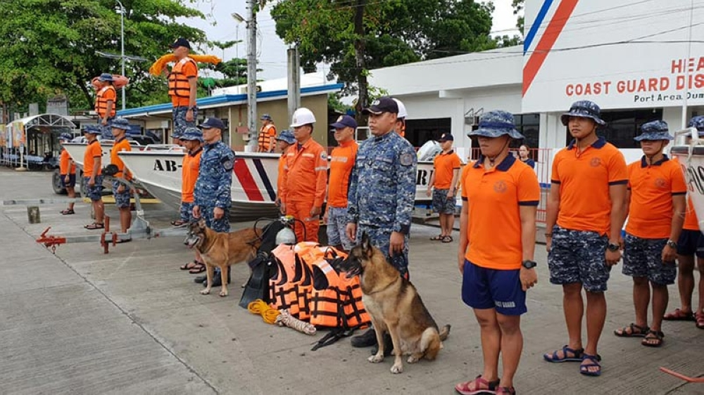 BACOLOD. Personnel of Philippine Coast Guard District Southern Visayas readies the deployment of Quick Response Team for emergency-related incidents for Typhoon Ompong. (Contributed photo)