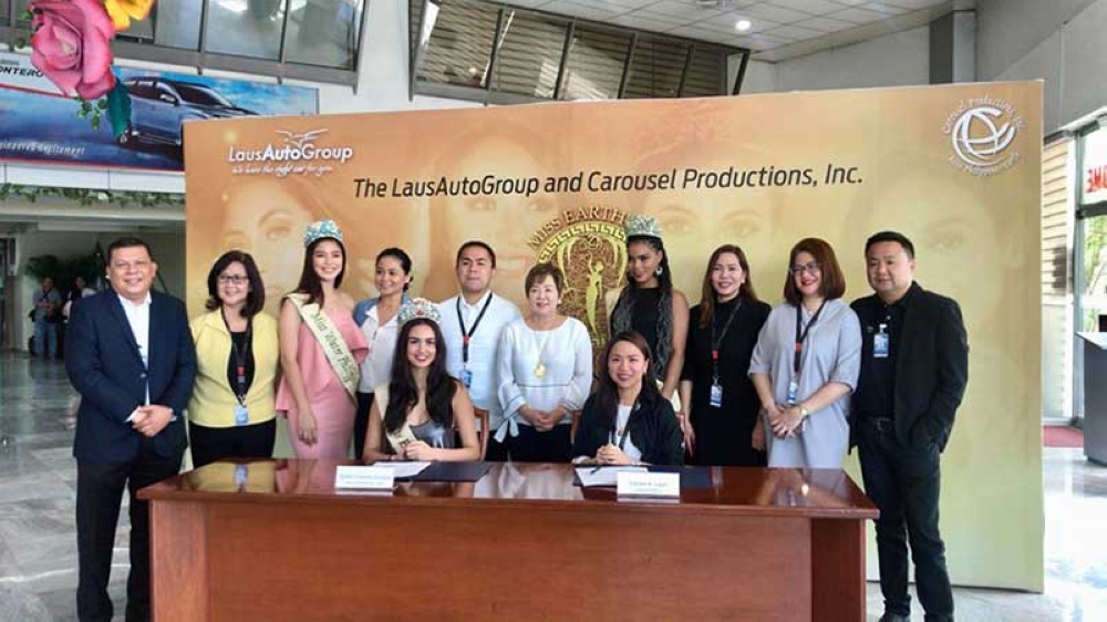 PAMPANGA. Ms. Earth Philippines 2018 Silvia Celeste and LGC Executive Director Carisa Laus lead Thursday's contract signing for the upcoming Swimsuit Parade and Resort Wear Competition set at LGEC. Joining them are Ms. Earth Philippines-Water 2018 Berjayneth Chee, Ms. Earth Philippines-Ecotourism 2018 Halimatu Yushawu, and the LGC execom. (Erika Mariel Gines)