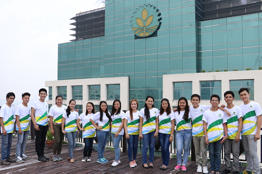 Agri-preneurs. Some of the graduates (Class 2017) of Landbank's Gawad Patnubay Scholarship Program, all of whom are now successfully employed in Landbank or its subsidiaries and partner institutions.