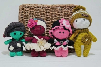 Disenyo Crochet's main products are these cute dolls that will be a nice gift to both kids and adults (Reuel John F. Lumawag)