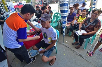 DAVAO. Generika Drugstore celebrated its 15th year Friday, September 21, offering free consultation and check-up at the drugstore's Southern Philippines Medical Center Branch along Cabaguio Street, Davao City. (Macky Lim)