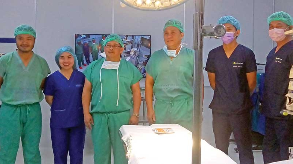 Dr. Romeo Vincy J. Naranjo (left) endocrine and minimally invasive surgeon, Dr. Manuel R. Garcia Jr. (third from left), DDH-Department of Surgery chair, Dr. Ronald P. Tangente (fourth from left), assistant director for medical education, and other surgery staff of Davao Doctors Hospital. (Contributed photo)