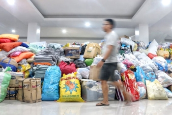 HELP. A pile of donated items at the lobby of Naga City Hall waits to be distributed to the victims of the Naga landslide. (SunStar foto / Alex Badayos)