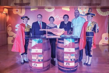 Spanish Nite. At the Sabores de España event at Marco Polo Plaza Cebu: Brian Connelly, general manager, Marco Polo Plaza Cebu; Myra Gonzalez, president, Amigos de España en Cebu; Gema Pido, culinary consultant and Consul Anton Perdices, Honorary Consul of Spain.