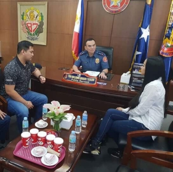 MANILA. Communications assistant secretary Mocha Uson and blogger Andrew Olivar meet with National Capital Region Police Office (NCRPO) director Guillermo Eleazar before their press conference on September 22, 2018. (Photo contributed by NCRPO public information officer)