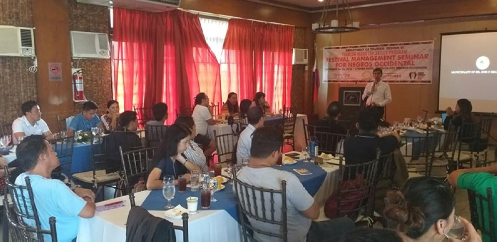 BACOLOD. Jaime Antonio Jr. (standing), resource person on cultural festival management, speaks before the participants of the three-day Festival Management Seminar held at L'Fisher Chalet in Bacolod City starting Monday, September 24. (Erwin Nicavera)