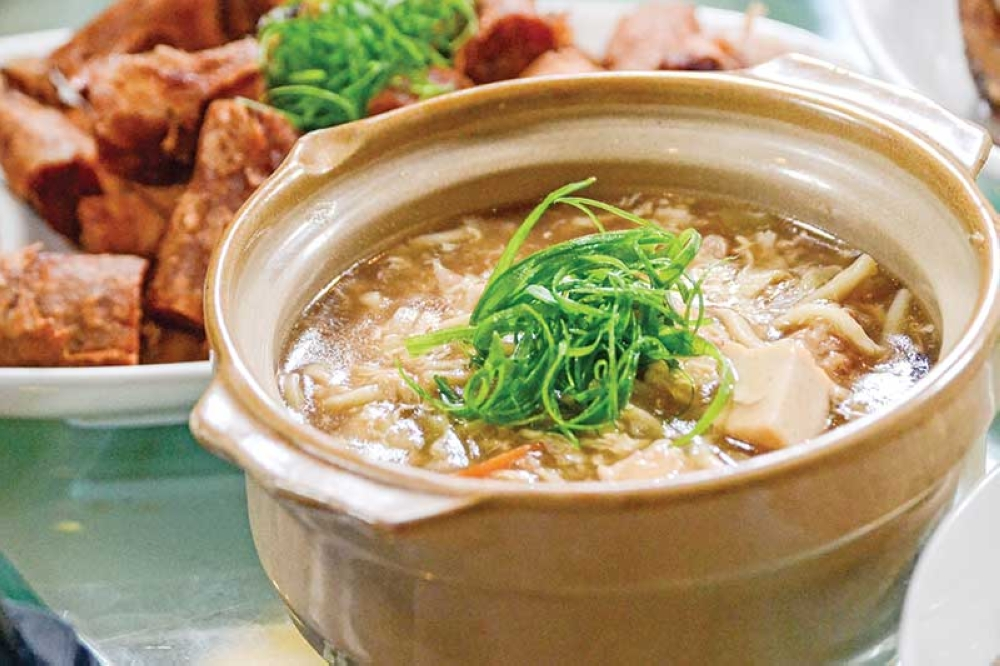 Their lomi is wonderful for a cool day or for merienda. (Photo by Macky Lim and Reuel John Lumawag)