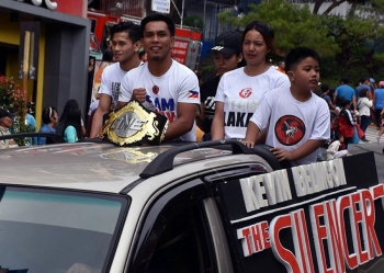 BAGUIO. ONE Championship interim bantamweight world champion Kevin Belingon joins Team Lakay members during the Baguio Day celebration recently. Belingon is set to challenge reigning world champion Bibiano Fernandes to unify the bantamweight crown. (Photo by Redjie Melvic Cawis)