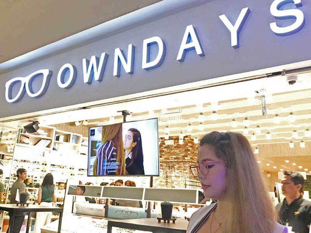 f9d2e3b028 Salvador  Turn on the day with Owndays spectacles - SUNSTAR
