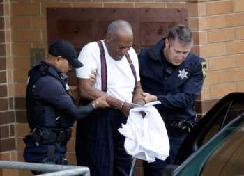 TV star Bills Cosby gets 3 to 10 years for sex assault Bill Cosby to sepnd three to 10 years in prison after having been found guilty of assaulting a woman at his gated estate in 2004. (AP)