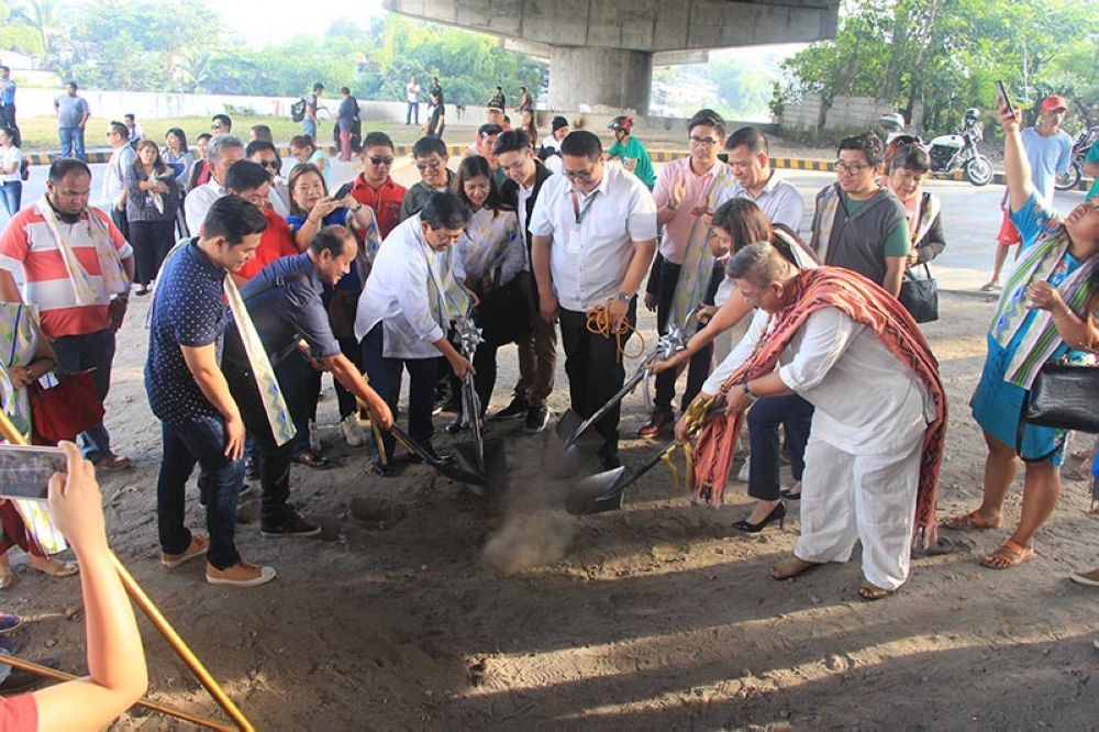 PAMPANGA. Angeles City Mayor Edgardo Paminutan, along with Angeles City Tourism Office head John Montances, NCCA Art Section Head Ferdinand Isleta, and Vice Chair for Dance Peter De Vera, breaks ground for