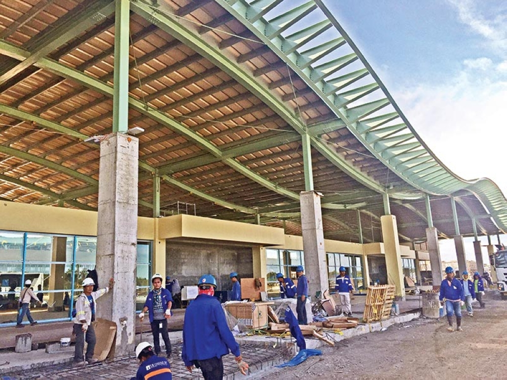 FIRST ECO-AIRPORT. The New Bohol Airport began construction in June 2015. When it opens this month, Cebu's stakeholders believe it will force Cebu to step up its tourism offers but also allow tourists to lengthen their stay in Cebu. (SunStar file)