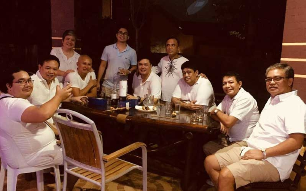 DAVAO. (Seated from left) Juor's son, Paolo Buted, Boyet Medina, Patrick Perez, Al Oxales, Mario Molina, Juor Buted and Ricky Espina; (standing) Meyose Libunao, Patrick's son, Paolo Perez and Bernard Lopez (Photo by Stella Estremera)