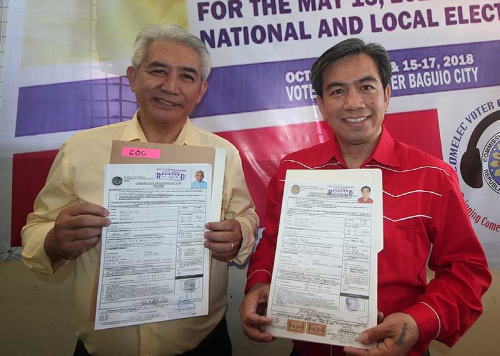 BAGUIO. The Partido Demokratiko Pilipinas (PDP) lead by Congressman Mark Go, mayoralty candidate Edison Bilog and aspiring vice mayor Faustino Olowan files their candidacy for the May 13, 2019 with former Councilor Jose Molintas and former Congressman Nicasio Aliping Jr. who will banner the local Liberal Party. (Photos by Jean Nicole Cortes)