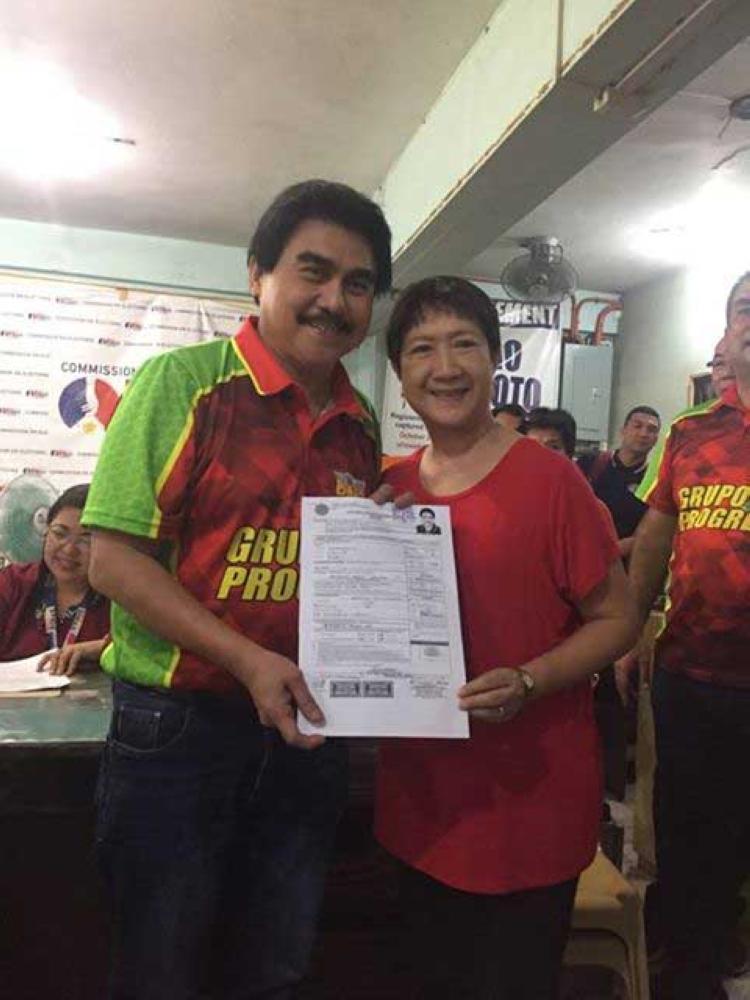 BACOLOD. Reelectionist Bacolod City Mayor Evelio Leonardia with wife Elsa. (Merlinda Pedrosa)