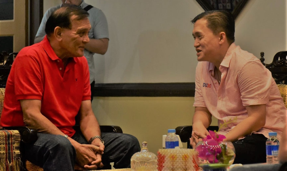 "ZAMBOANGA. Photo handout shows first district Representative Celso Lobregat (left) and Special Assistant to the President Christopher Lawrence ""Bong"" Go (right) discussing several ""positive matters"" in a private meeting on Saturday, October 14, in Zamboanga City. (Contributed Photo)"