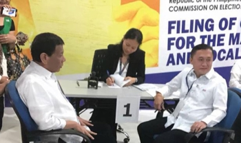 MANILA. President Rodrigo Duterte accompanies trusted aide Christopher Lawrence Go when the latter filed his certificate of candidacy on October 15, 2018. (Photo from Mocha Uson Blog)