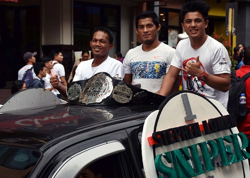 BAGUIO. After scoring a unanimous decision win in his first title defense on September, Team Lakay's Stephen Loman will be returning to the cage to defend his bantamweight title against Felipe Efraim next month. (Brave CF photo)