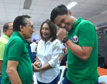 Mixed signals. For First District Rep. Gerald Anthony Gullas (right), it's definitely Gwen for governor. But his grandfather, Talisay City Mayor Eduardo Gullas (left), says he still needs to consult mayors of the district. A meeting between Garcia and the elder Gullas was canceled at the last minute yesterday. (SunStar File)