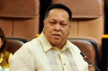 Wa pa kadawat. Si suspended Cebu City Councilor James Cuenco niingon nga nakadawat siyag taho nga gipaboran ang iyang petisyon sa pagbaliktad sa hukom sa Ombudsman nga nagtaktak kaniya sa katungdanan. (File Photo)